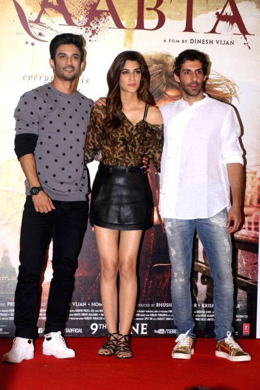 Actors Sushant Singh Rajput and Kriti Sanon during the Trailer launch of film Raabta in Mumbai on April 16, 2017. - Sushant Singh Rajput and Kriti Sanon
