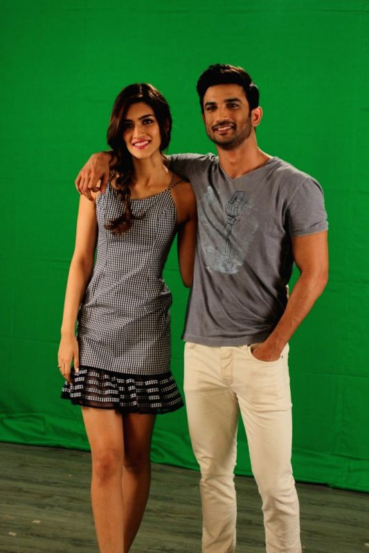 Actors Sushant Singh Rajput and Kriti Sanon during the media interaction of film Raabta, in Mumbai on May 24, 2017. - Sushant Singh Rajput and Kriti Sanon