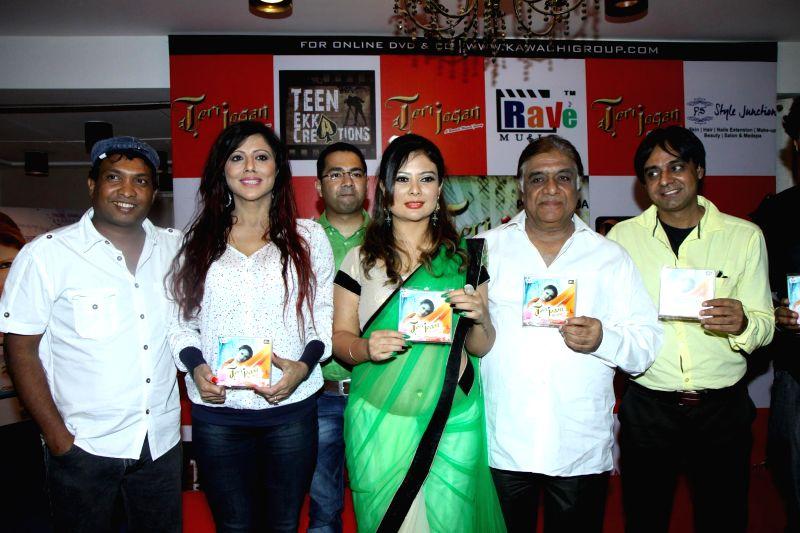 Actors Tinaa Ghaai, Aanjjan Srivastav, Sunil Pal and Preeya Subba during the launch of album Teri Jogan in Mumbai, on June 27, 2014. - Tinaa Ghaai, Aanjjan Srivastav, Sunil Pal and Preeya Subba