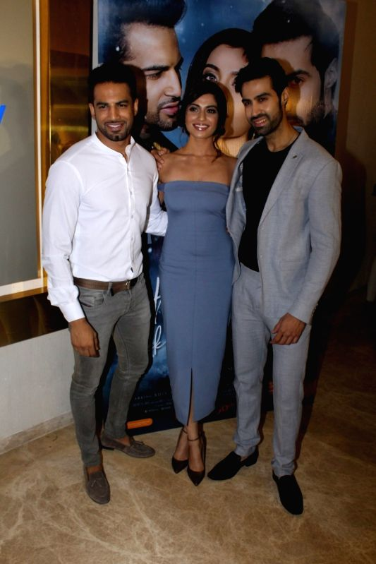 "Actors Upen Patel, Natasha Fernandez and Shiv Darshan during the music launch of film ""Ek Haseena Thi Ek Deewana Tha"" in Mumbai, on June 12, 2017. - Upen Patel, Natasha Fernandez and Shiv Darshan"