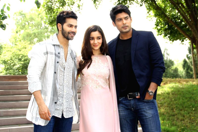 Actors Varun Dhawan, Alia Bhatt and Sidharth Shukla during a programme organised to promote their upcoming film `Humpty Sharma Ki Dulhania` in New Delhi on July 9, 2014. - Varun Dhawan, Alia Bhatt and Sidharth Shukla