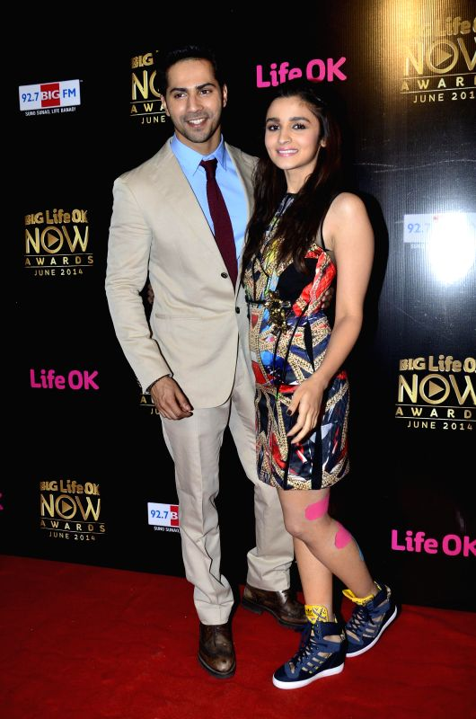 Actors Varun Dhawan and Alia Bhatt during the Big Life OK Now Award 2014 in Mumbai on June 23, 2014. - Varun Dhawan and Alia Bhatt