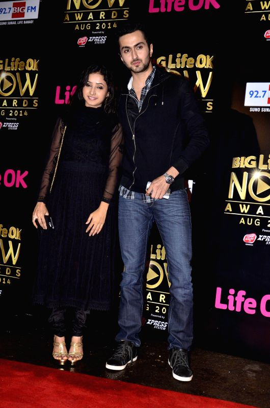 Actors Vibhav Roy and Sana Sheik during the Big Life Ok Now Awards in Mumbai, on August 3, 2014. - Vibhav Roy and Sana Sheik