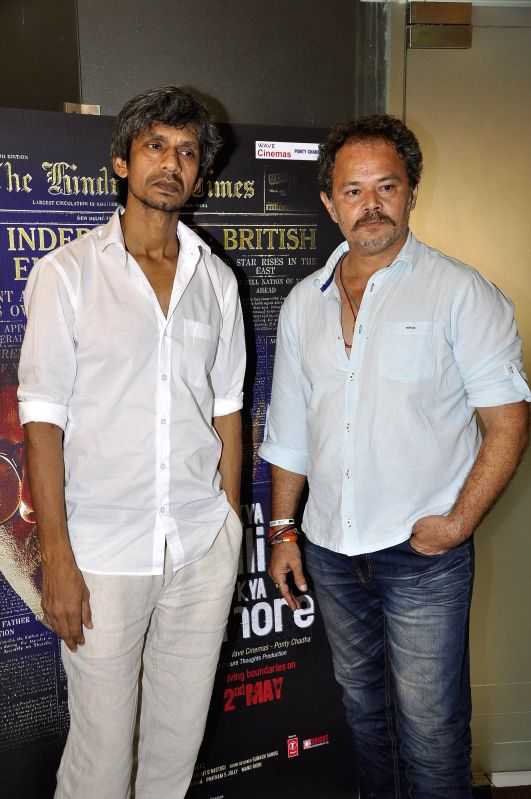 Actors Vijay Raaz (L) and Raj Zutshi during a media interaction of film Kya Dilli Kya Lahore in Mumbai on April 28, 2014. - Vijay Raaz