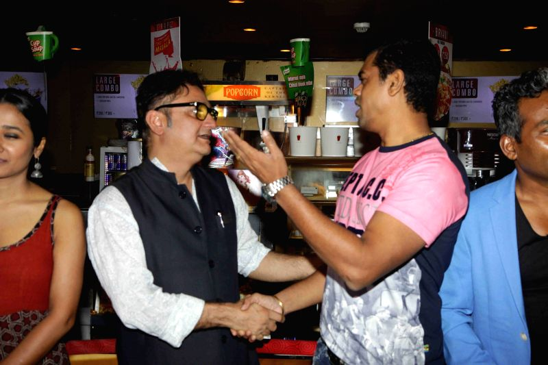 Actors Vinay Pathak and Siddarth Jadhav during the launch of book on film Gour Hari Dastan - The Freedom File in Mumbai, on Aug 10, 2015. - Vinay Pathak and Siddarth Jadhav