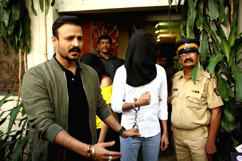 Promotion of film Bank Chor - Vivek Oberoi and Riteish Deshmukh