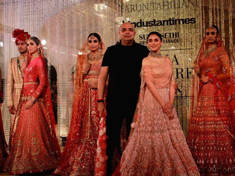 Actress Aditi Rao Hydari showcase the creations of fashion designer Tarun Tahiliani on Day 1 of the India Couture Week 2018 in New Delhi on July 25, 2018. - Aditi Rao Hydari