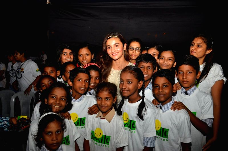 Actress Alia Bhatt during the first ever pop up store for the underprivileged, `The Street Store` by Anmol Jewellers in association with Smile Foundation, in Mumbai on May 29, 2016. - Alia Bhatt