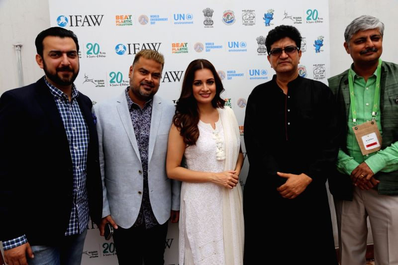 Actress and Wildlife Trust of India (WTI) Brand Ambassador Dia Mirza, Central Board of Film Certification (CBFC) Chairman Prasoon Joshi and other dignitaries at the inaugural programme of ... - Dia Mirza and Prasoon Joshi
