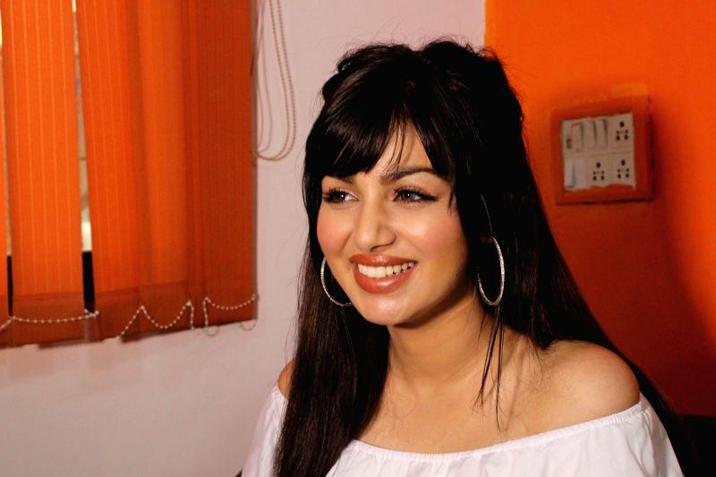 Media interaction for video album  - Ayesha Takia