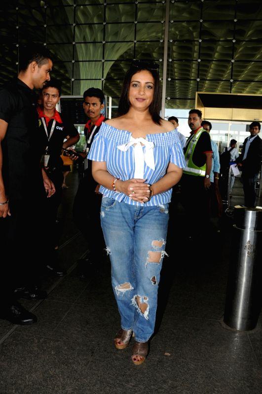 Actress Divya Dutta seen at Chhatrapati Shivaji International Airport in Mumbai . - Divya Dutta