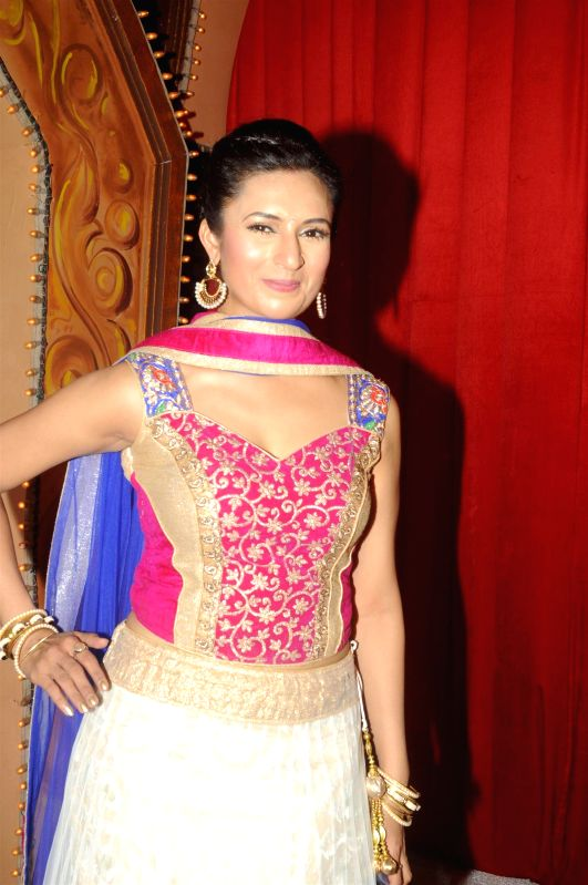 Actress Divyanka Tripathi during the Star Parivaar award ceremony in Mumbai on June 21, 2014. - Divyanka Tripathi