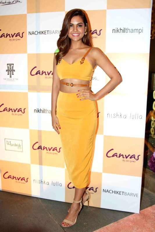 Actress Esha Gupta  during the launch of jewellery brand, Canvas by Jet Gems in Mumbai on Dec 3, 2015. - Esha Gupta