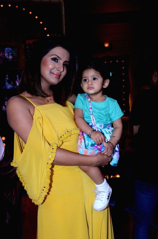 "Actress Geeta Basra along with her daughter Hinaya on the sets of live game show ""Aunty Boli Lagao Boli"" in Mumbai on Sept 24, 2017. - Geeta Basra"