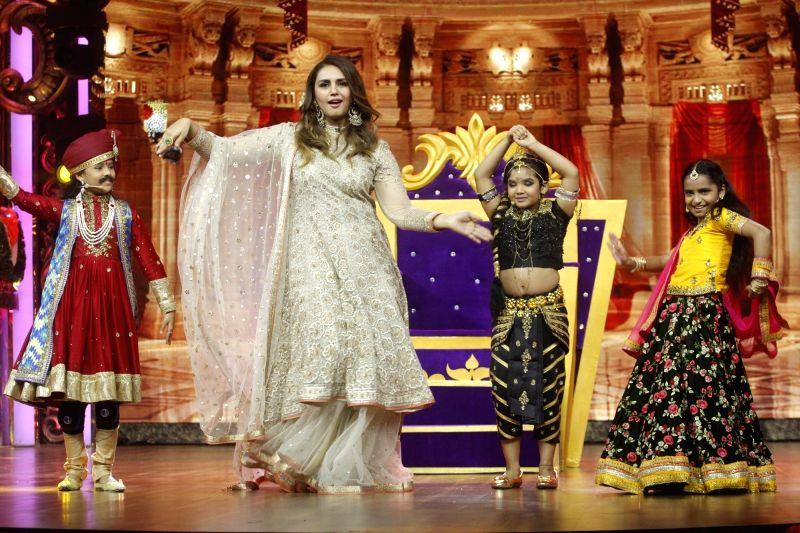 Actress Huma Qureshi on the sets of show India's Best Dramebaaz Season 2 in Mumbai on Aug 7, 2018. - Huma Qureshi