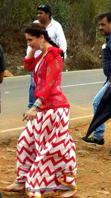Actress Kareena Kapoor during the shooting of the film `Singham 2` at Koyna Ghat in Maharashtra on June 28, 2014.