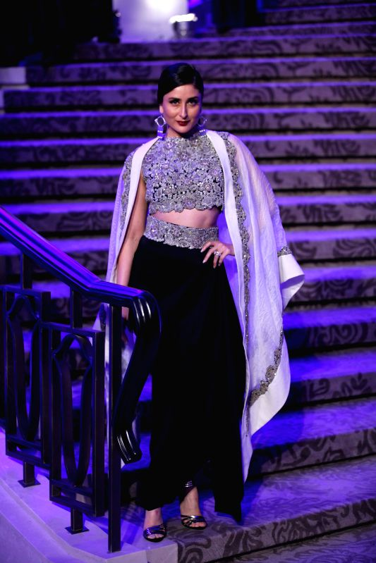 Actress Kareena Kapoor in designer Anamika Khanna's creation - Kareena Kapoor