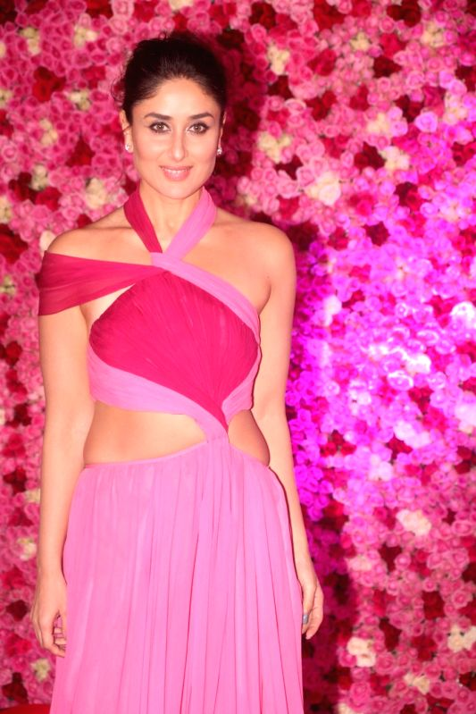 edf18a86183fac In Pics: Hot & Stunning Bollywood Divas at the Lux Golden Rose Awards 2018