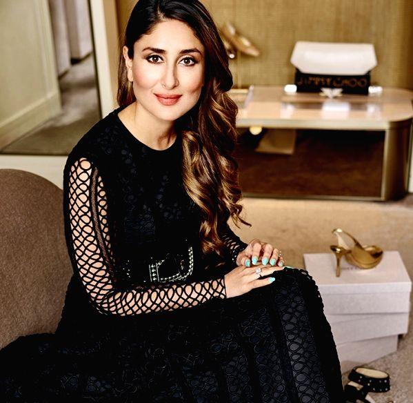 Kareena Kapoor Khan looks super chic in all black pantsuit