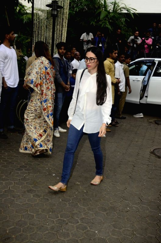 Shashi Kapoor's condolence meet - Karisma Kapoor and Shashi Kapoor