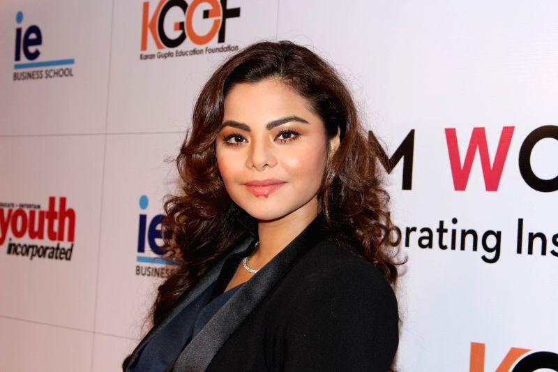 """Actress Konkana Bakshi during the """"I Am Woman Awards 2017"""",  in Mumbai on April 27, 2017. - Konkana Bakshi"""