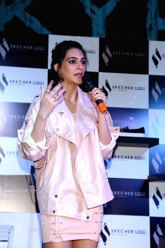 Actress Kriti Sanon during a programme in New Delhi, on Nov 30, 2017. - Kriti Sanon