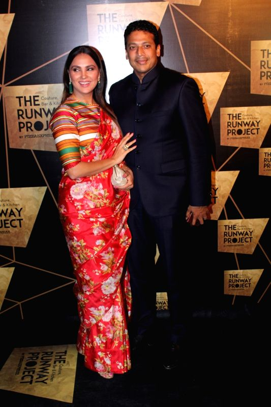 Dia Mirza, Malaika Arora and other celebs during a programme - Lara Dutta and Mahesh Bhupathi