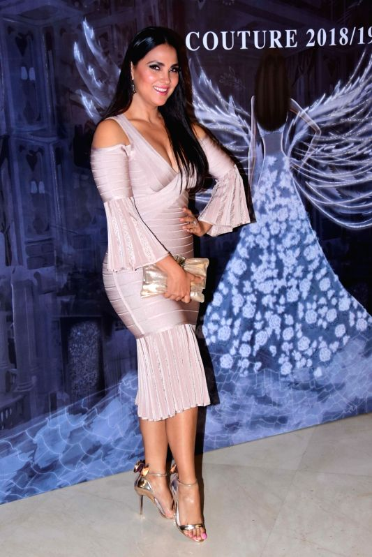 Actress Lara Dutta at the fashion designer Manish Malhotra's Haute Couture 2018 in Mumbai. - Lara Dutta and Manish Malhotra