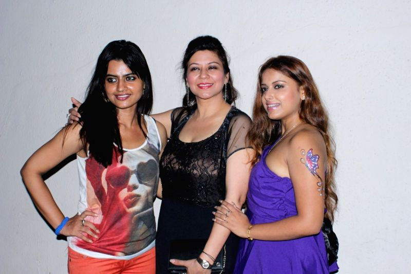 Actress Leslie Tripathy, Shetal Gupta and Sneha Paul during the Rajesh Roy's Birthday Party in Mumbai on April 11, 2017. - Leslie Tripathy, Shetal Gupta and Rajesh Roy