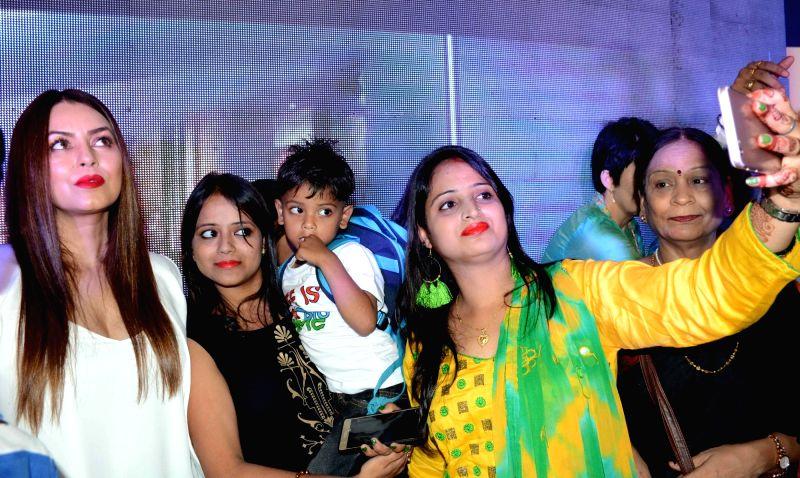 Actress Mahima Chaudhary during the inauguration of a showroom in Patna on Aug 3, 2018. - Mahima Chaudhary