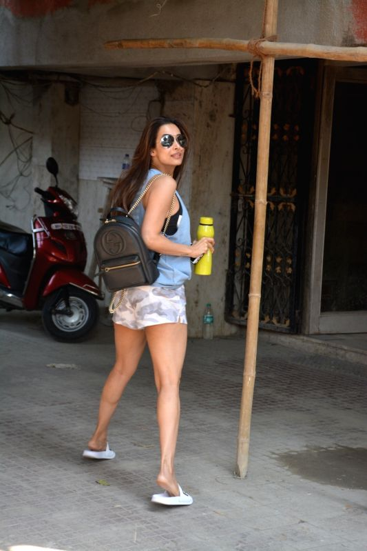 Actress Malaika Arora seen outside a gym, in Mumbai on Jan 10, 2019. - Malaika Arora