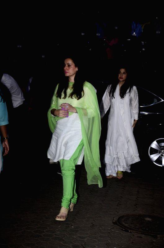 Shashi Kapoor's condolence meet - Neelam Kothari and Shashi Kapoor