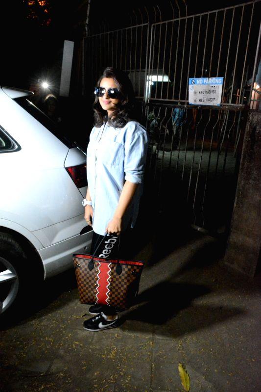 Actress Pareeniti Chopra seen outside a salon, in Mumbai on Dec 6, 2018. - Pareeniti Chopra