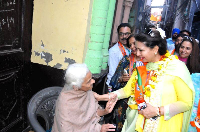 Actress Poonam Dhillon campaigns for BJP in Amritsar on April 24, 2014.