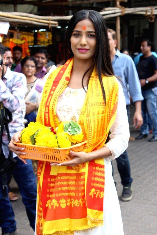 Actress Poonam Pandey visits Siddhivinayak temple in Mumbai on May 19, 2017. - Poonam Pandey