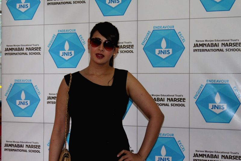 Actress Preeti Jhiangani during the inauguration of Jamnabai Narsee International School Indoor Multi-Purpose Sports Hall, in Mumbai on Dec 10, 2015. - Preeti Jhiangani