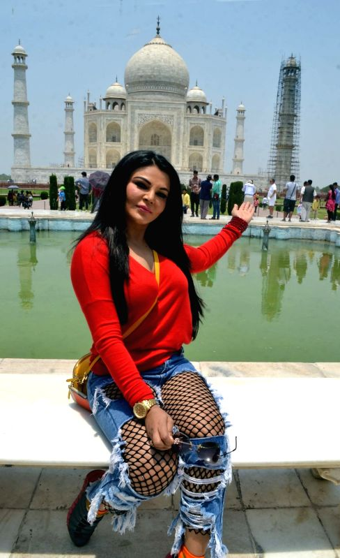 Actress Rakhi Sawant visits Taj Mahal in Agra on May 13, 2017. - Rakhi Sawant