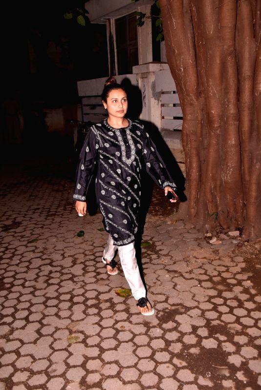Shashi Kapoor's condolence meet - Rani Mukerji and Shashi Kapoor