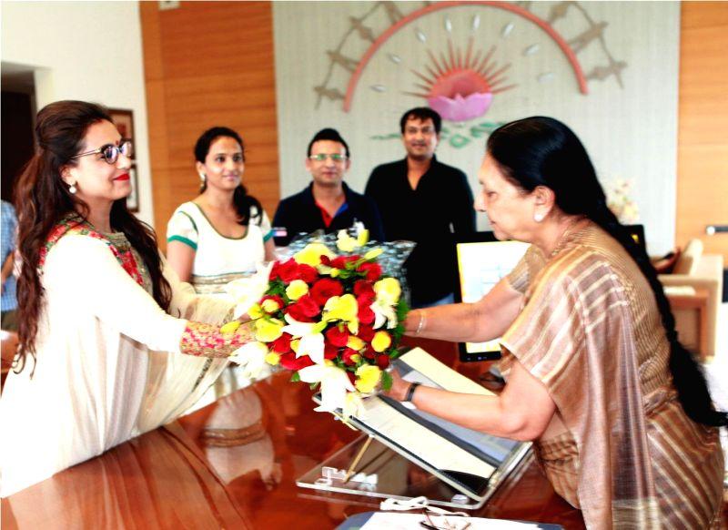 Actress Rani Mukherjee during a meeting with Gujarat Chief Minister Anandiben Patel in Gandhinagar. - Anandiben Patel