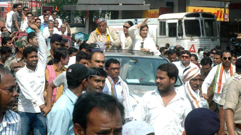 Actress Raveena Tandon campaigns for Congress candidate from Raipur Satya Narayan Sharma in Raipur on April 21, 2014.