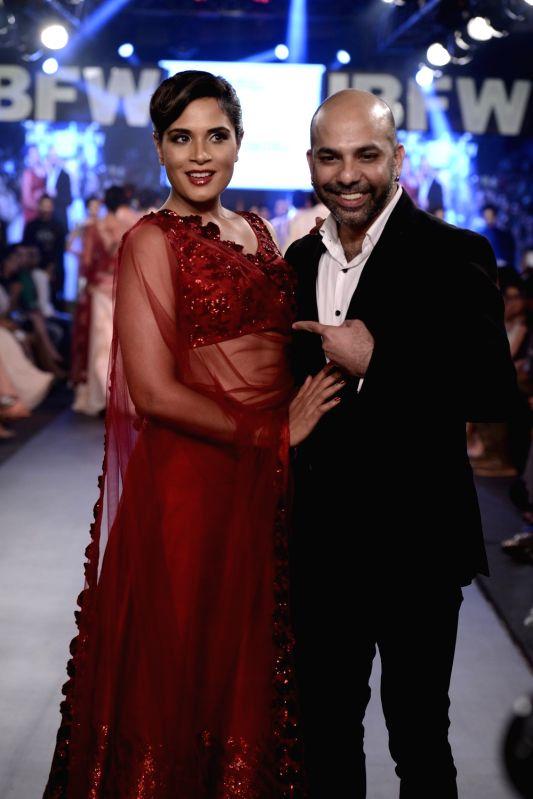 Actress Richa Chadda walks for Mayyur Girotra On Day 2 Of Gionee India Beach Fashion Week (GIBFW) 2015 in Mumbai on Oct 30, 2015. - Richa Chadda