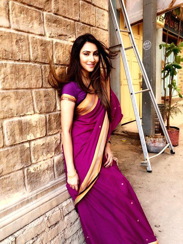 Actress Rishina Kandhari - Rishina Kandhari