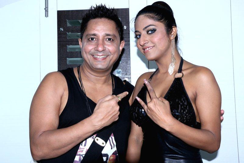 Actress Ritika Gulati and singer Sukhvinder on the sets of 'Love Ke Funday'. - Ritika Gulati