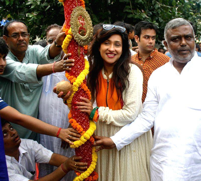 Actress Rituparna Sengupta during Khunti Puja in Kolkata on July 29, 2014. - Rituparna Sengupta