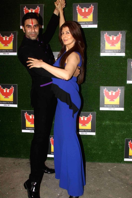 Actress Sangeeta Bijlani and choreographer Sandip Soparrkar during the grand finale of of India's first Dance Week Season 4 in Mumbai in Mumbai on April 30, 2017. (Photo: IANS)s - Sangeeta Bijlani