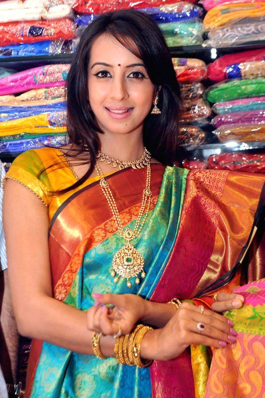 Actress sanjana inaugurates a showroom at malleshwaram in bangalore