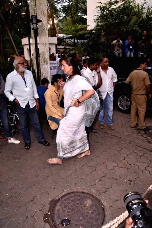Shashi Kapoor's condolence meet - Sanjana Kapoor and Shashi Kapoor