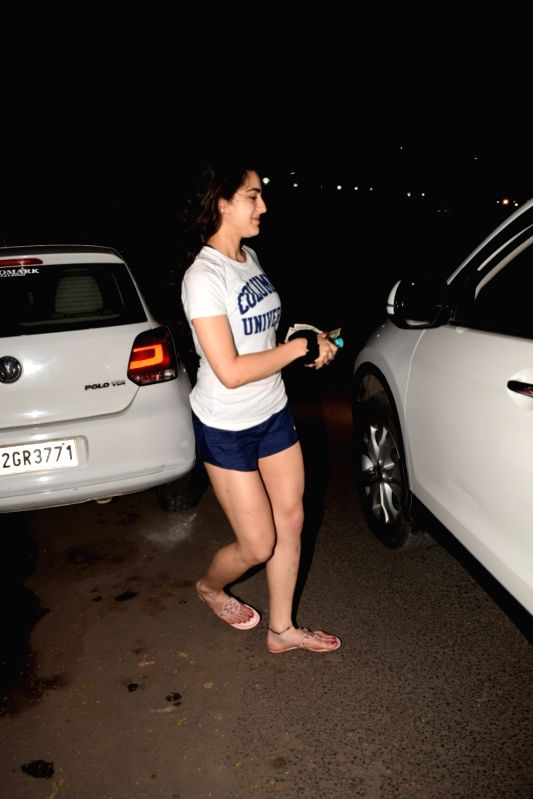 sara ali khan heading to her car