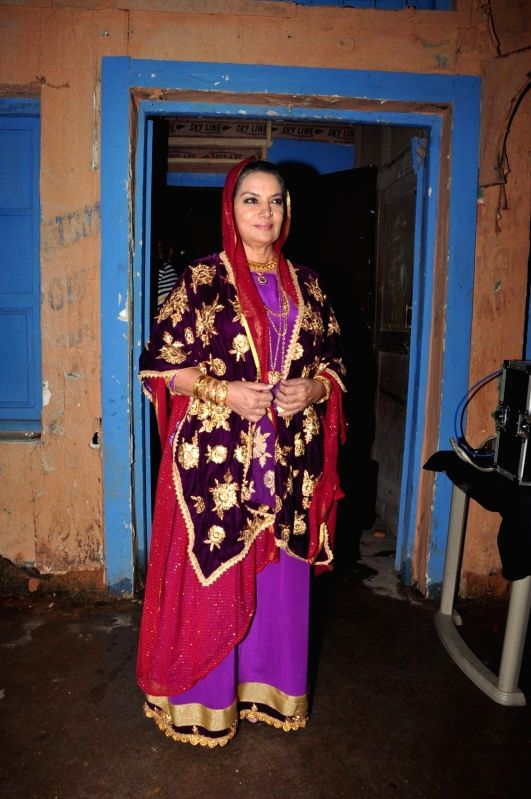 Actress Shabana Azmi on the sets of Ammaji tv serial, in Mumbai on Oct 3, 2016. - Shabana Azmi