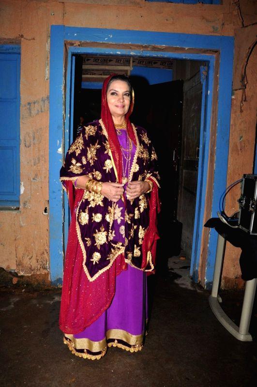 Shabana Azmi on the sets of Ammaji tv serial - Shabana Azmi
